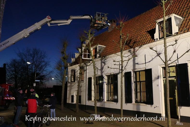 Schoorsteenbrand_Kerkstraat_Nederhorst_14maart2015 (4)